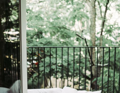 Chambre aérée avec balcon